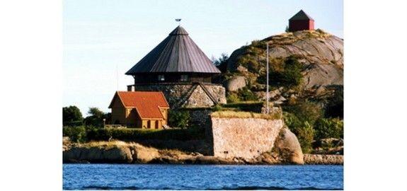 Da Tordenskjold langs kysten lynte